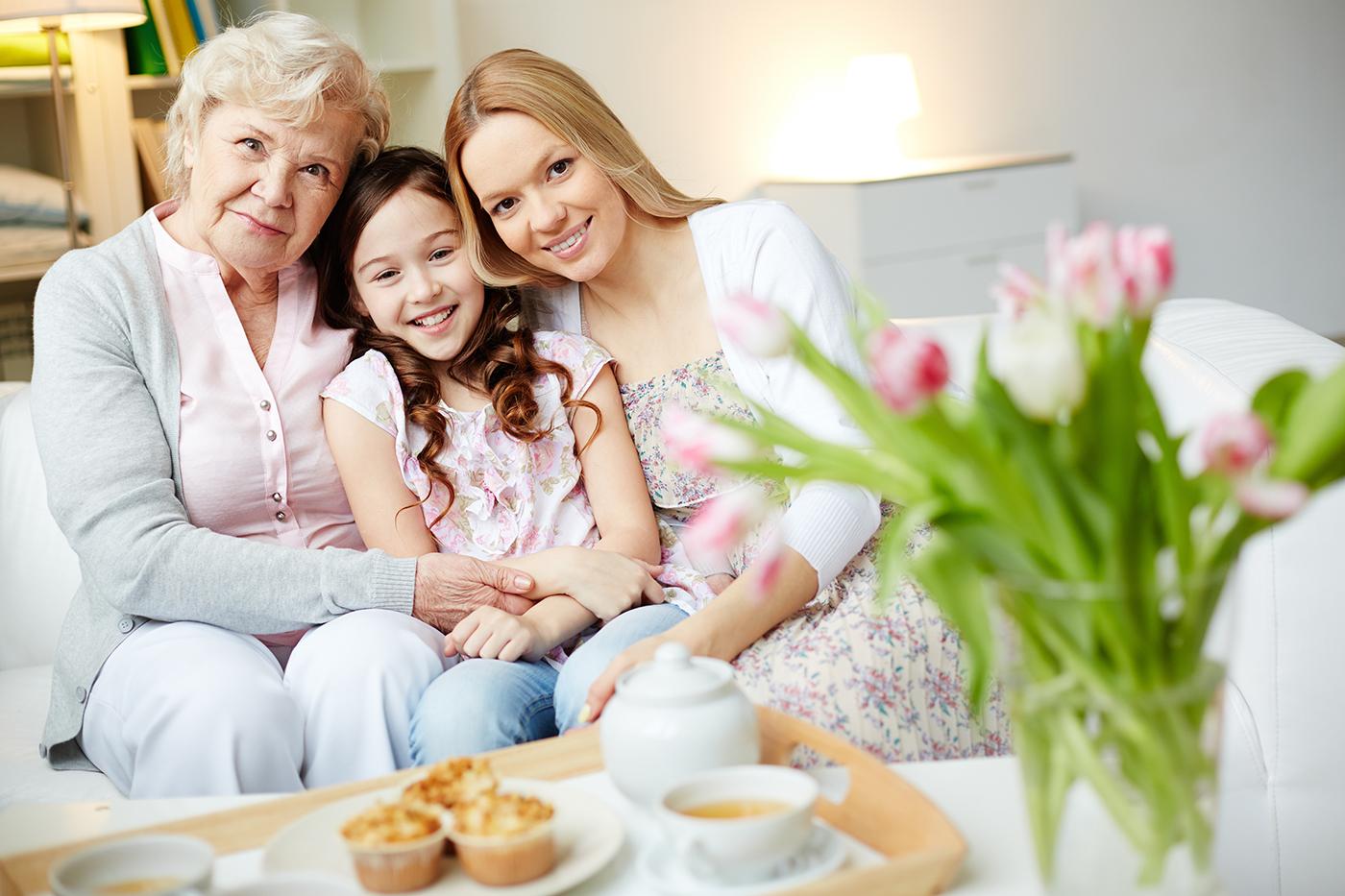 Avó, mãe e filha